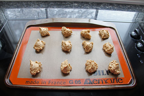 oatmeal-cookies-on-silpat
